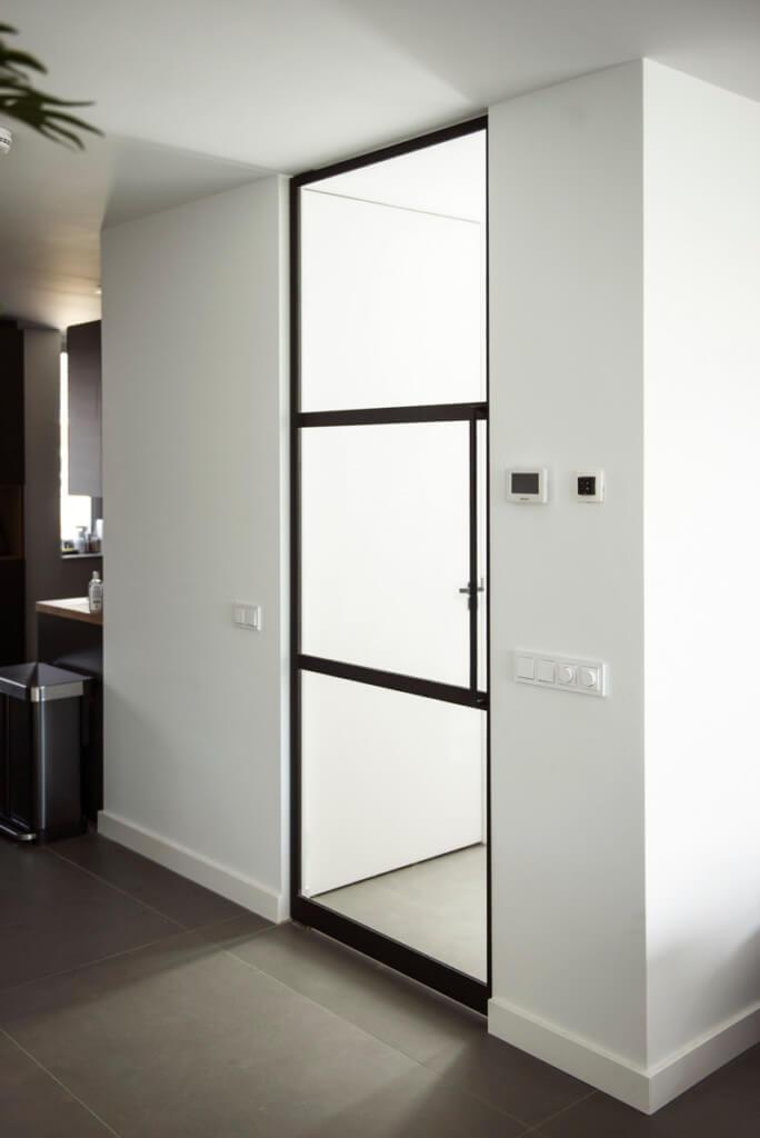Verbouwing van een nieuw huis stalen deur