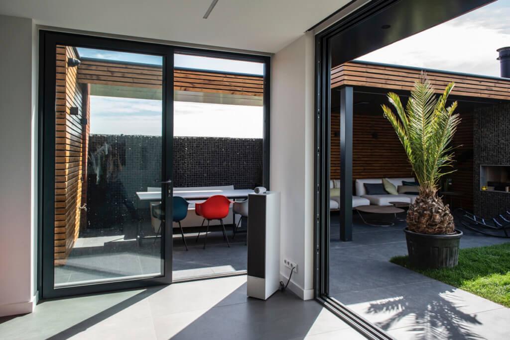 Verbouwing van een nieuw huis schuifpuien overhoeks